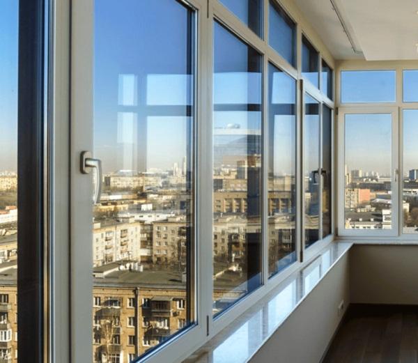 Холодное остекление балкона по выгодной цене